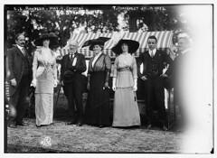 L.L. Bonheur, Mrs. B. Cochran, T. Roosevelt, Jr., and O. Straus and wife (LOC)