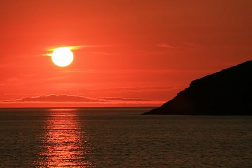 Sonnenuntergang mit Sonne und Schatten