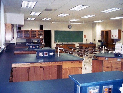 New Trier Township High School Lab/Classroom