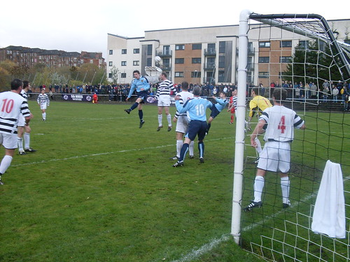 Pollok Clear an Auchinleck Attack