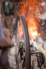 Una vieja bicicleta convertida en un fuelle