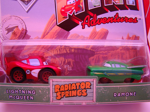 Mini Adventures Radiator Springs Lightning McQueen and Green Ramone