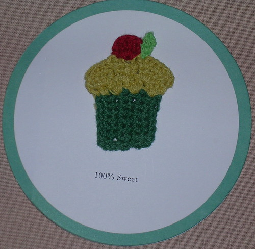 this is just about the cutest card I have ever seen...mmm! maybe I can make one
