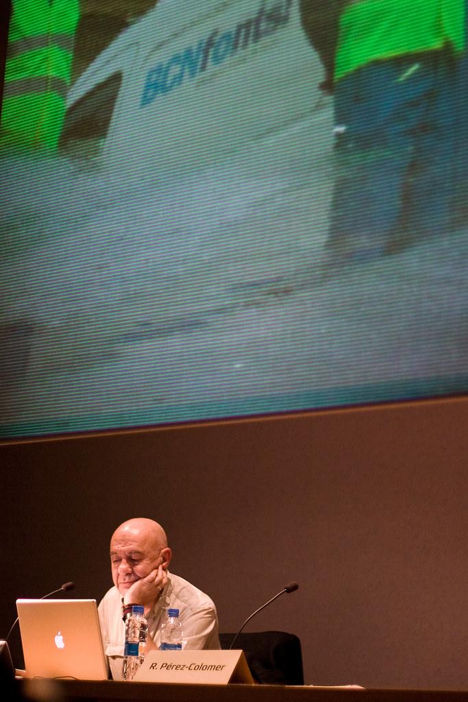 Mario Eskenazi, imagen corporativa
