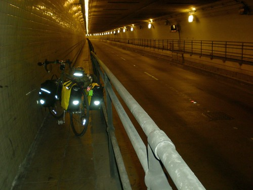 Posey Tunnel, Alameda