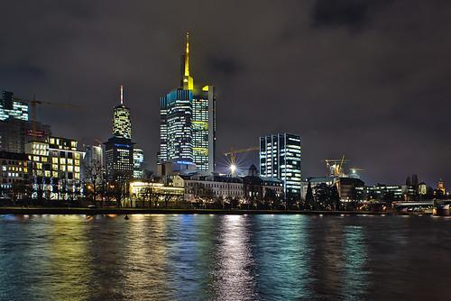 Winter Skyline by Philipp Klinger