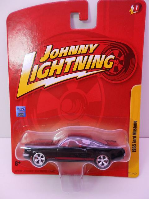 johnny lightning 1965 ford mustang blk red (1)