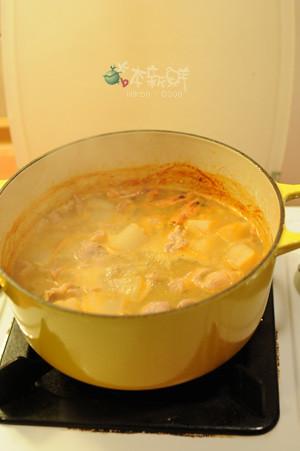 白蝦、蛤蜊和白蘿蔔高湯