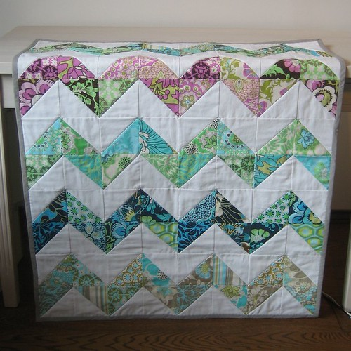 daisy chain zig zag quilt front