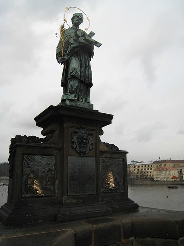 """Make a wish statue"" St John of Nepomuk, Karlův most"
