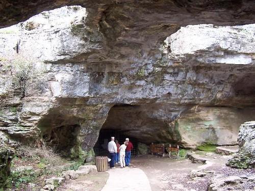 Longhorn Caverns