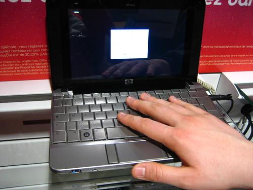 Netbook Asus eeePC 701 à la Fnac by louisvolant, on Flickr