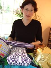 Saskia mit Geschenken (8)