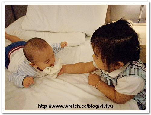 [A 2Y2M]施打流感疫苗~很勇敢不哭 @VIVIYU小世界