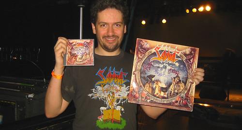 20080419 - Sabbat concert at Jaxx - 154-5494 - Clint & his autographed albums
