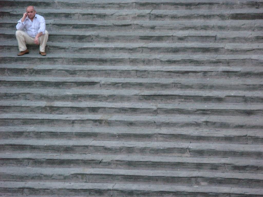 Big steps or small man
