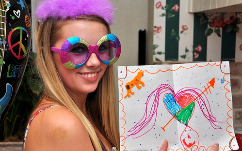 Sydney shows her Birthday card