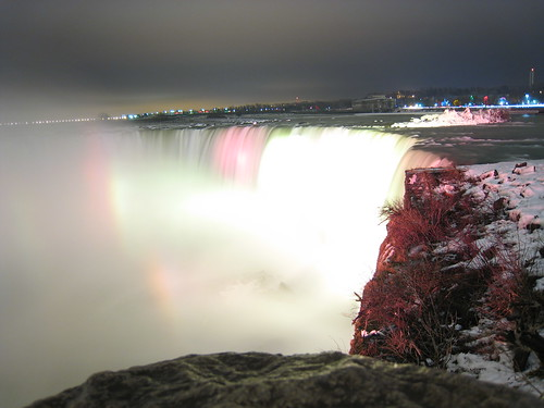 Horsehoe Falls, by night, in winter, Niagara Falls
