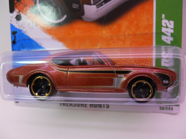 hot wheels treasure hunt group '68 oldsmobile 442 (2)