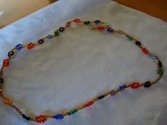 Daisy bead necklace