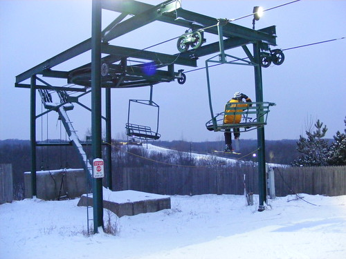 michigan skiers often forget to get off the lift