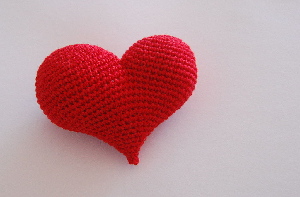 crochet heart from mygurumi