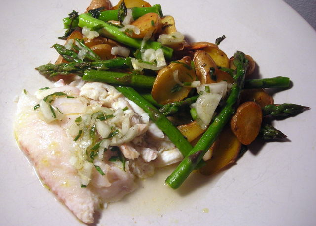 Broiled flounder; pan-fried fingerling potatoes and asparagus with garlic and fresh oregano; white shallot vinaigrette.