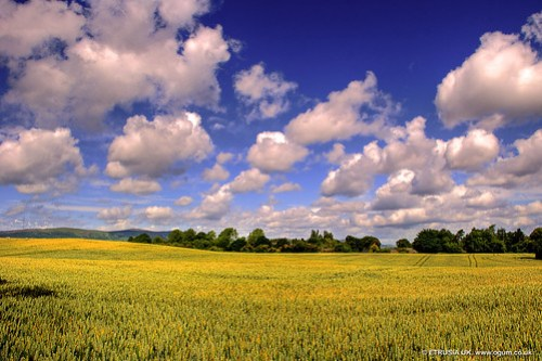 The Marching Clouds by etrusia_uk