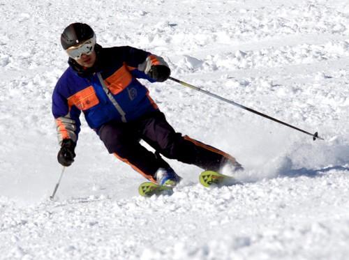Nacho esquiando 05
