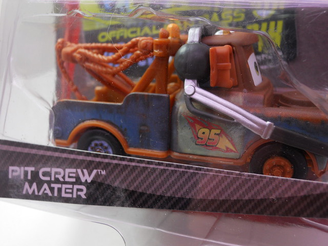 disney cars 2 kmart exclusive pit crew mater (2)