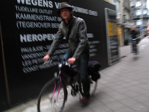 En Bici por Lomabardestraat