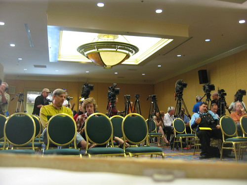 sea of cameras at Bigfoot press conference