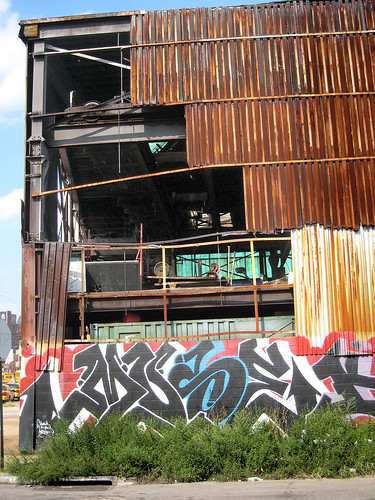 Rusted Factory in LIC 003