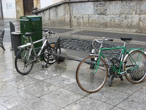 Aparcamiento creativo para Bicicletas en la Plaza de la Compañia