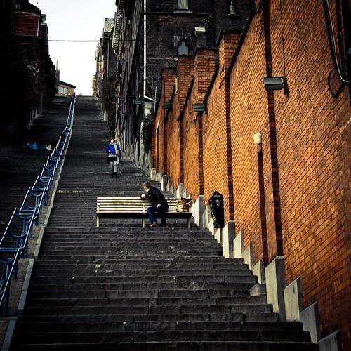 Romance in the Stairs, Part II : Meet me Halfway (Photo : Gilderic)