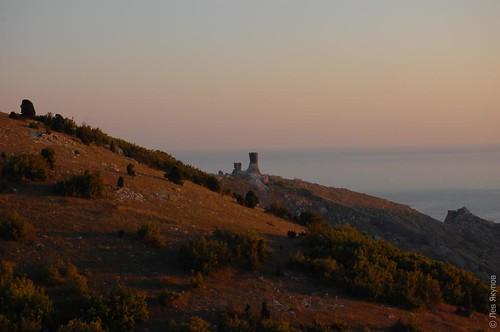 Закат над крепостью Чембало
