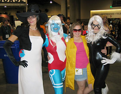 Comic-Con Costume Girls 09
