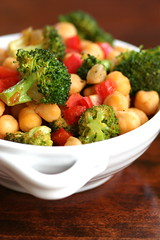 Chickpea, broc, bell pepper salad