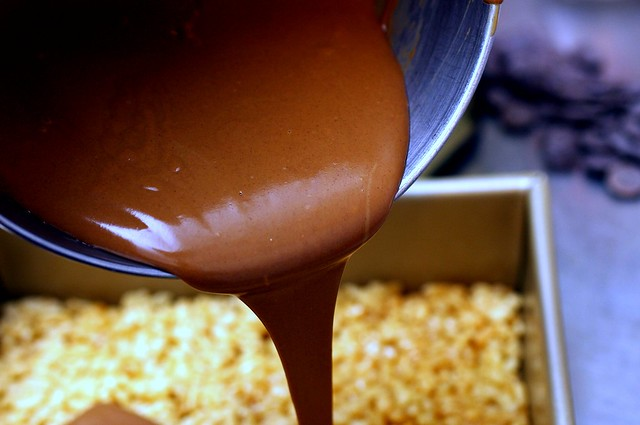 pouring the chocolate-peanut butter