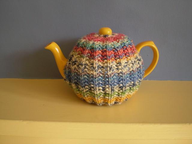 Mistake Rib Tea Cozy - free knit pattern