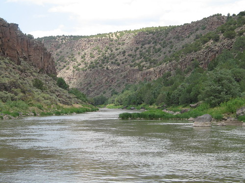 Rio Grande Swimming Hole, July 12th, 2007, all photos © 2007-2008 by QuoinMonkey. All rights reserved.
