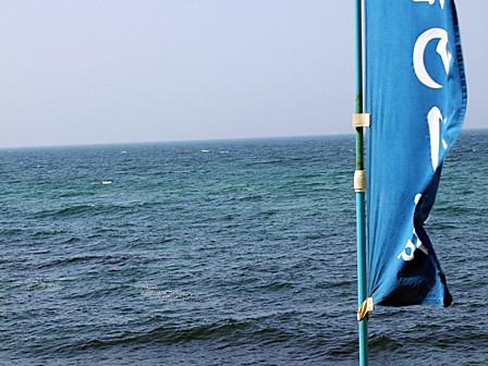 天候回復するも海上波高し