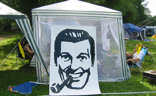 20080704 - X-Day at Brushwood - 161-6116 - pavilion with Bob Dobbs banner