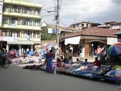 Katmandú, ese enorme bazar de todo a 100 (rupias)