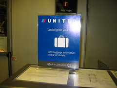 United Airlines SFO luggage counter
