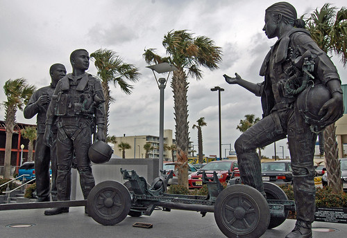 photo of statues of service men and women at virginia beach