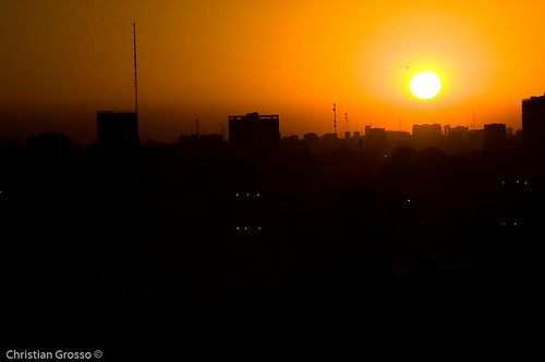 """Atardecer de Buenos Aires • <a style=""""font-size:0.8em;"""" href=""""http://www.flickr.com/photos/20681585@N05/2593758553/"""" target=""""_blank"""">View on Flickr</a>"""