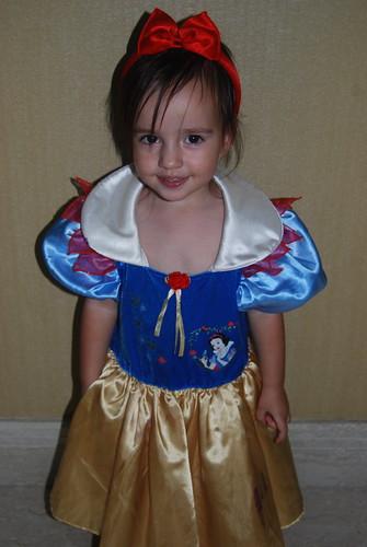 Riley as Snow White - Halloween 2008