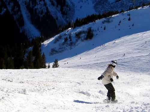 Lauren, snowboarding fast.