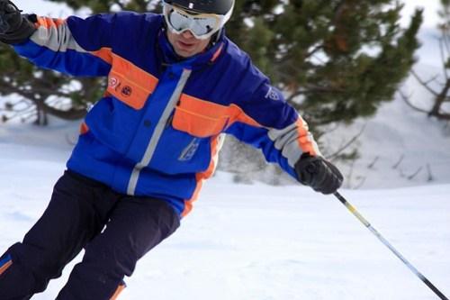 Nacho esquiando 01